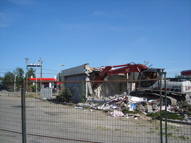 Austin Road Esso Carwash Demolition